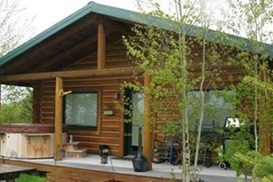 AAA Red Lodge Rentals - stay 4, get one FREE :: A terrific selection of beautiful, well-maintained homes, condos & cabins around the Red Lodge region for group sizes from 2-23. Book 4 nights this spring, get one night FREE