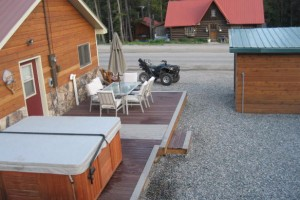 Grizzly Pad Cabins and Rental Home in Cooke City :: Two rental cabins, sleep 4-5 with SAT-TV, full kitchens, BBQ & more. Plus, a Guest House sleeping 12. Access our outdoor hot tub, all just 3 miles to Park entrance.