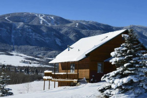 Winter Season Lodging & Winter Activity Packages