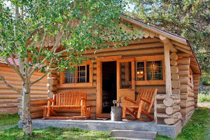Great Cabins & Motel near Cooke City Montana